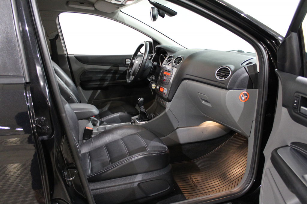 Ford Focus, 1.6CDTi Titanium #Siistikuntoinen #Hyvät varusteet **Käsiraha Alk.0€