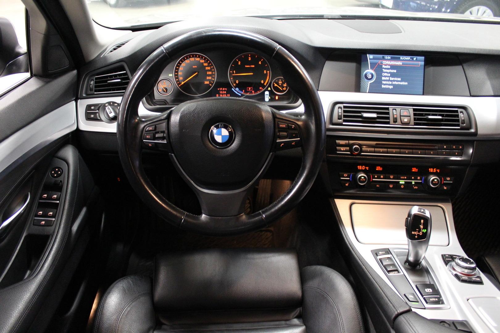 BMW 520, F11 Touring #Huippusiisti #Sporttipenkit #Nahat #Xenonit #Bluetooth