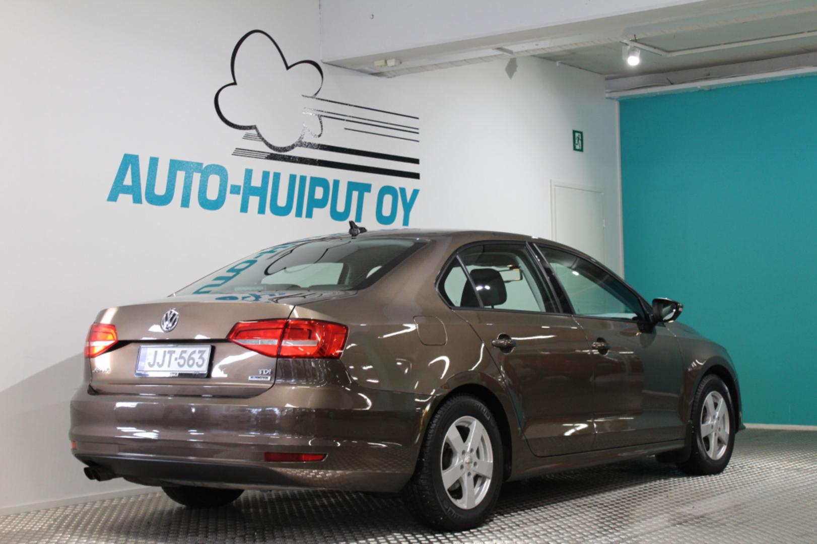 Volkswagen Jetta, Comfort 2,0 TDI BlueMotion Automaatti #Webasto #Huippusiisti #Suomi-auto