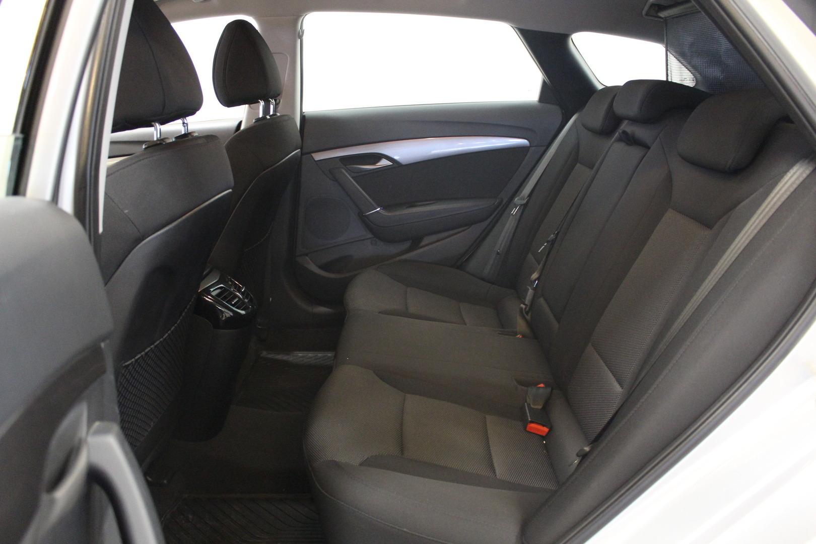 Hyundai i40 Wagon, 1,6 6MT ISG Classic #Huippusiisti #Vähän ajettu #Takuu