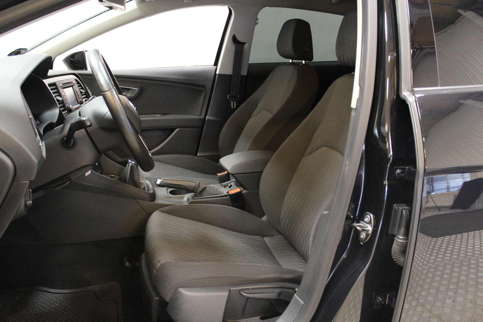 Seat Leon, 1,4 TSI 122 Style #LED ajovalot #Parkkitutkat #Siisti