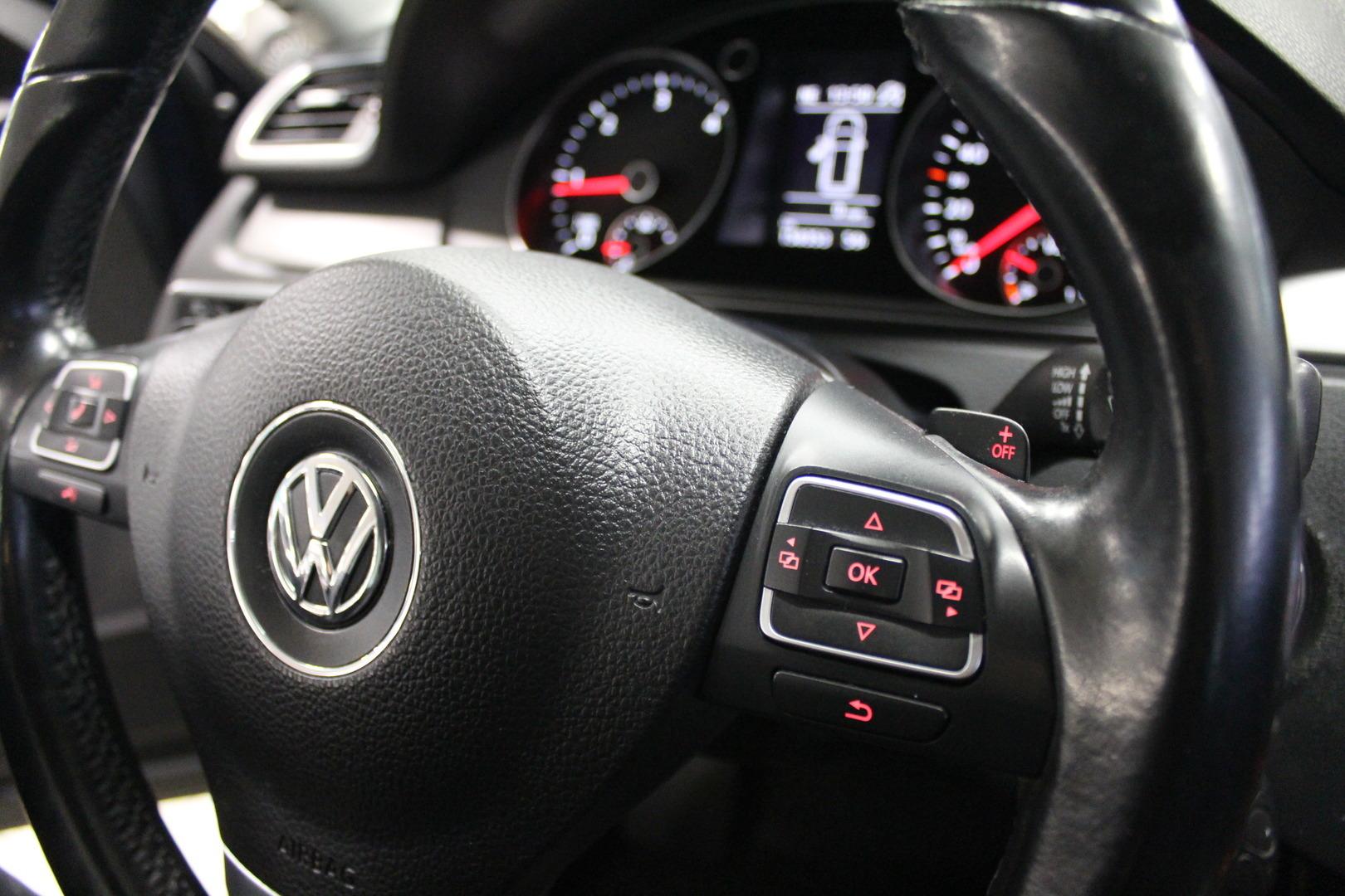 Volkswagen Passat, Comfortline 2,0 TDI Bluemotion #Automaatti #Webasto #Navigointi **Juuri tullut**