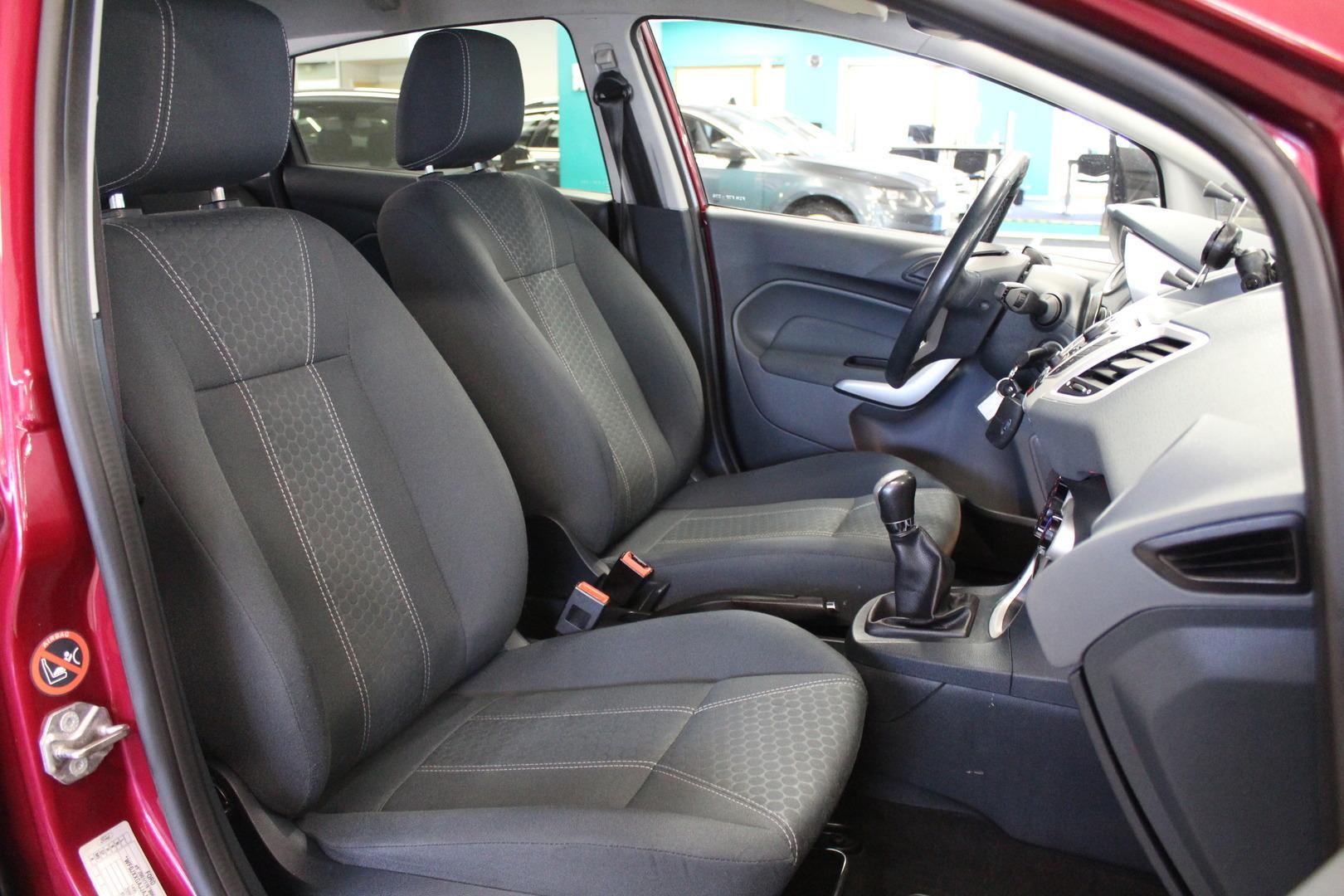 Ford Fiesta, 1,25 Titanium 5-ovinen **Juuri tullut** #Juuri huollettu #Hyvät renkaat #Ilmastointi
