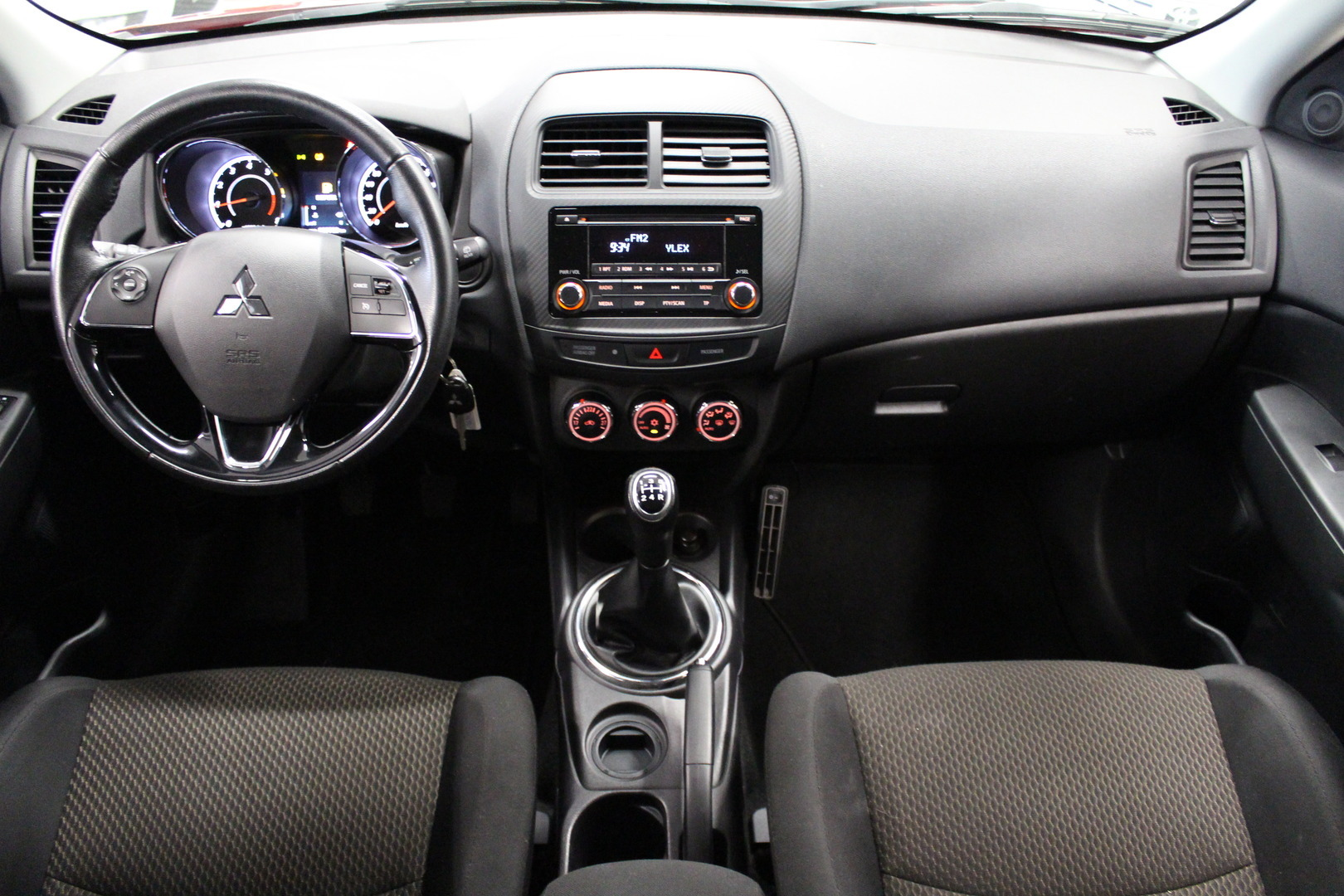 Mitsubishi ASX, 1,6 MIVEC Invite #1-Omisteinen #Tehdastakuu voimassa #Huippusiisti #Vakionopeudensäädin, tutkat