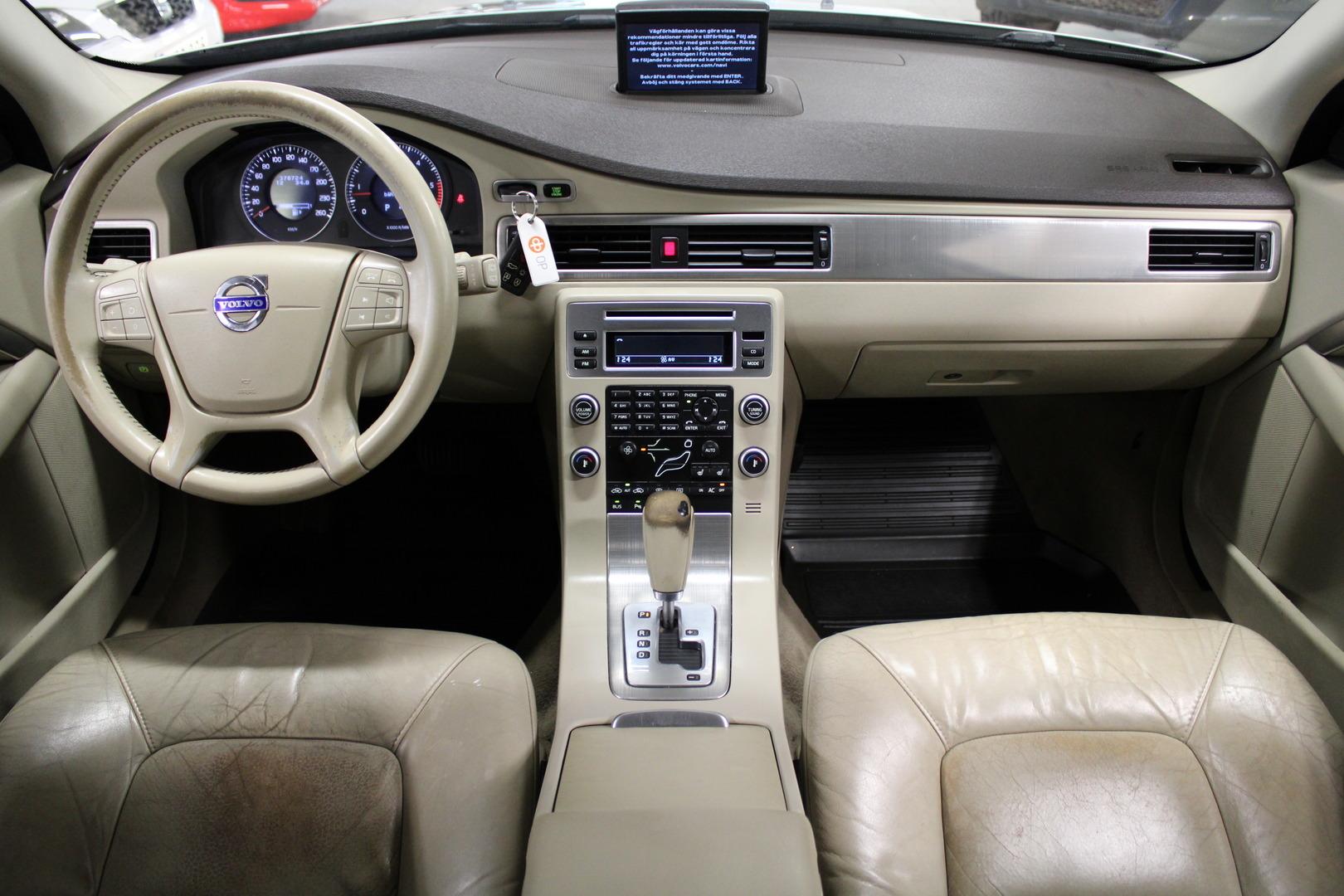 Volvo V70, 2,4D 175Hp #Hyvin huollettu ** Juuri tullut** #Blis #Nahat #Webasto #Navi