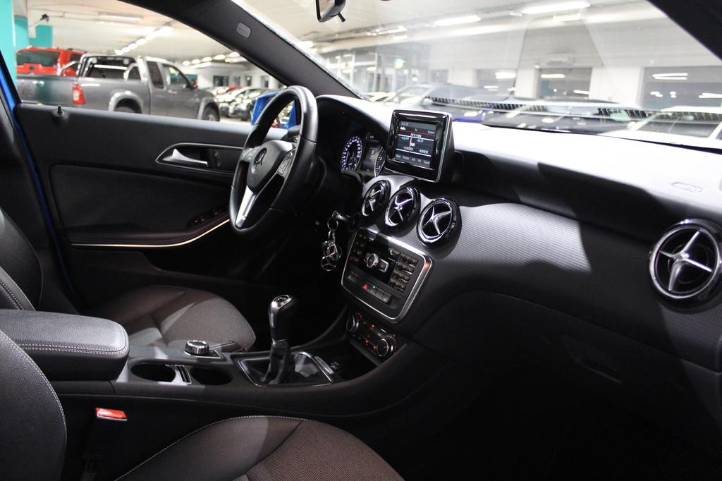 Mercedes-Benz A, 180 BE Suomi Edition #1-Omisteinen #Huippusiisti #Bluetooth #Todella hyvin pidetty