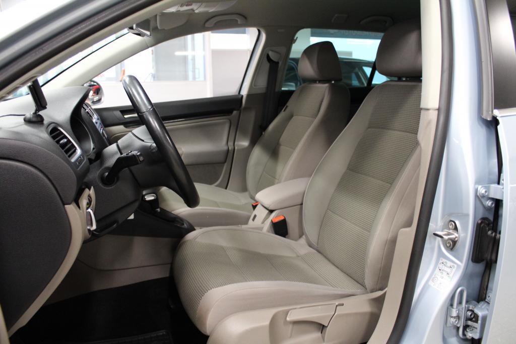 Volkswagen Golf, Comfortline 2,0 TDI #Huippusiisti #Navi #Xenonit #2-omisteinen